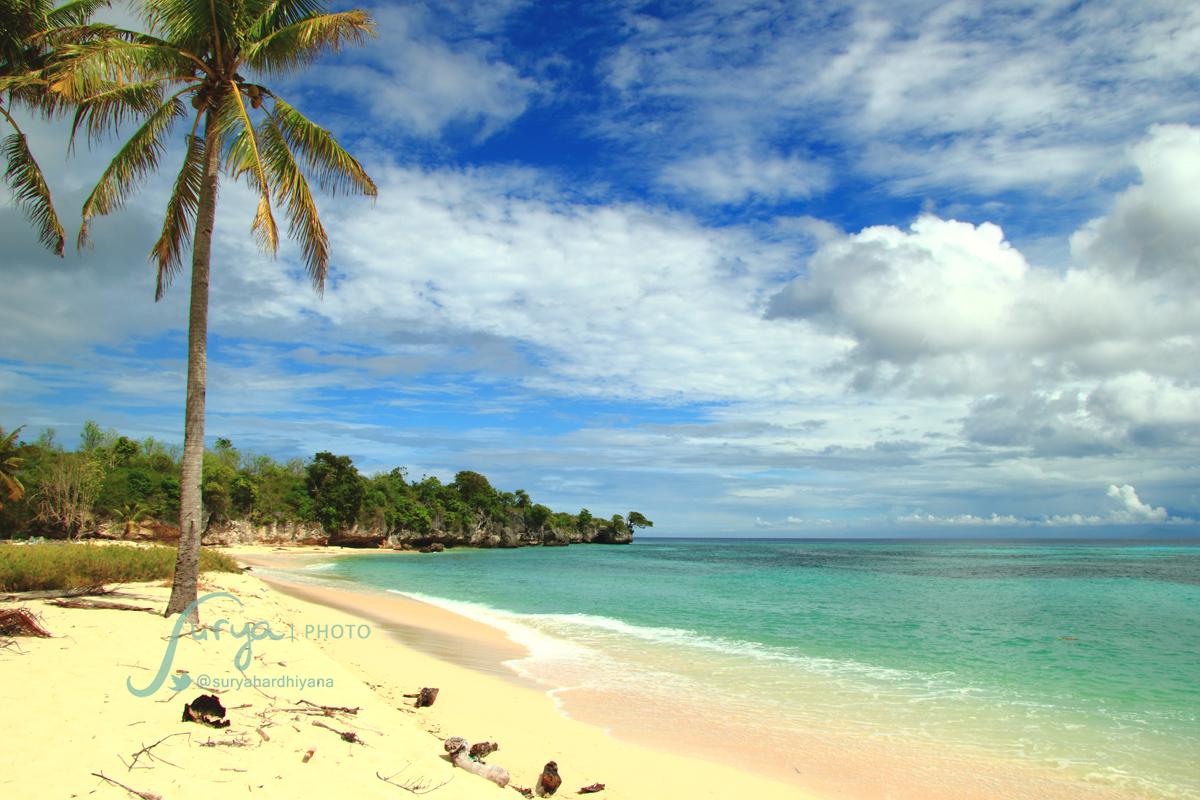 Pantai di Pulau Liukang