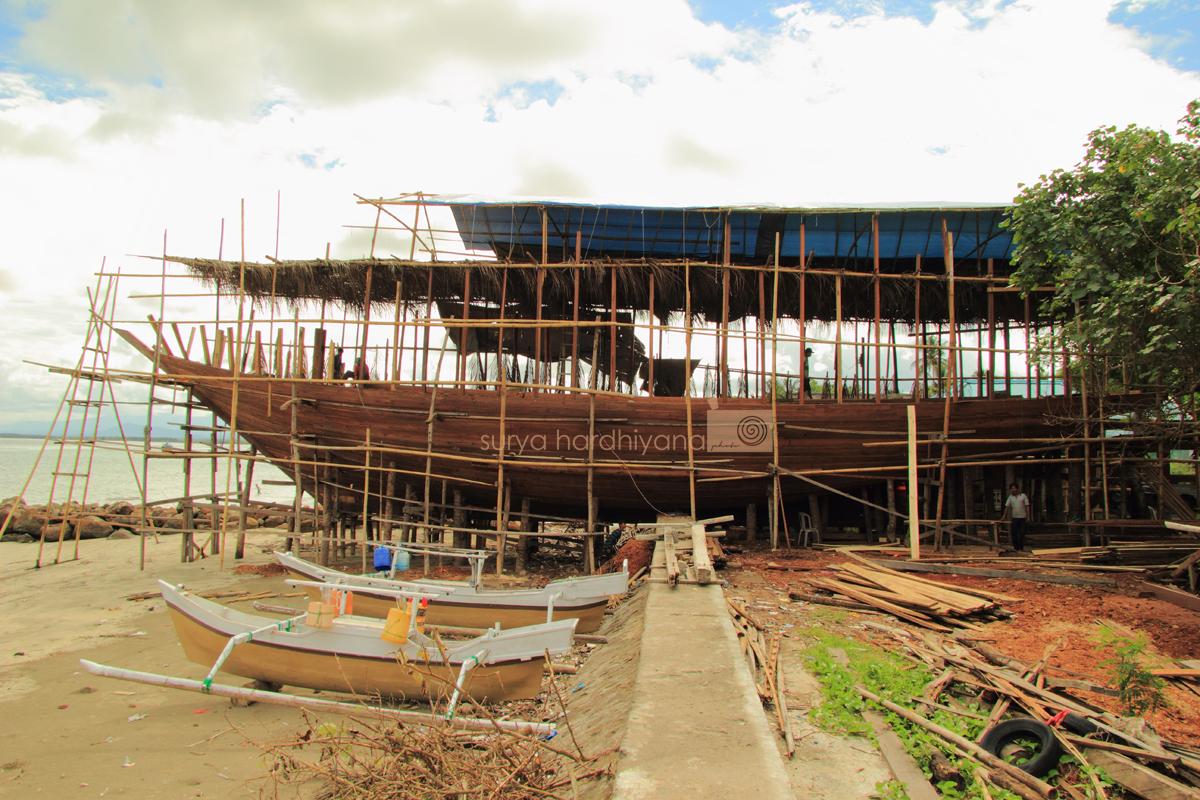 Pembuatan Kapal Phinisi di Bulukumba, Sulawesi Selatan