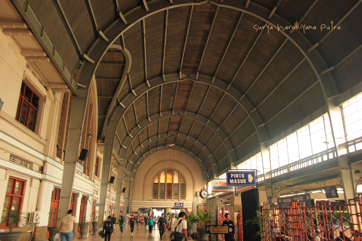 Ilustrasi Stasiun Jakarta Kota