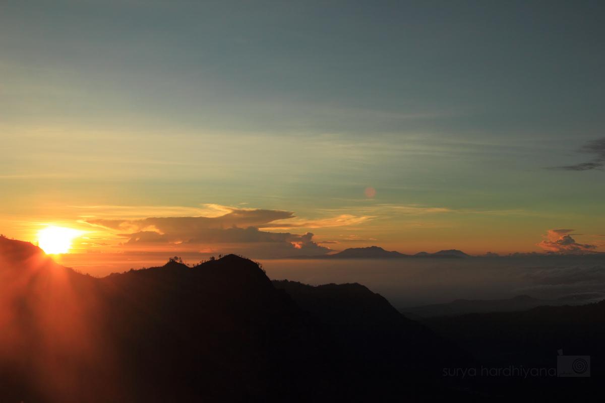 Matahari Terbit di Puncak Penanjakan Bromo