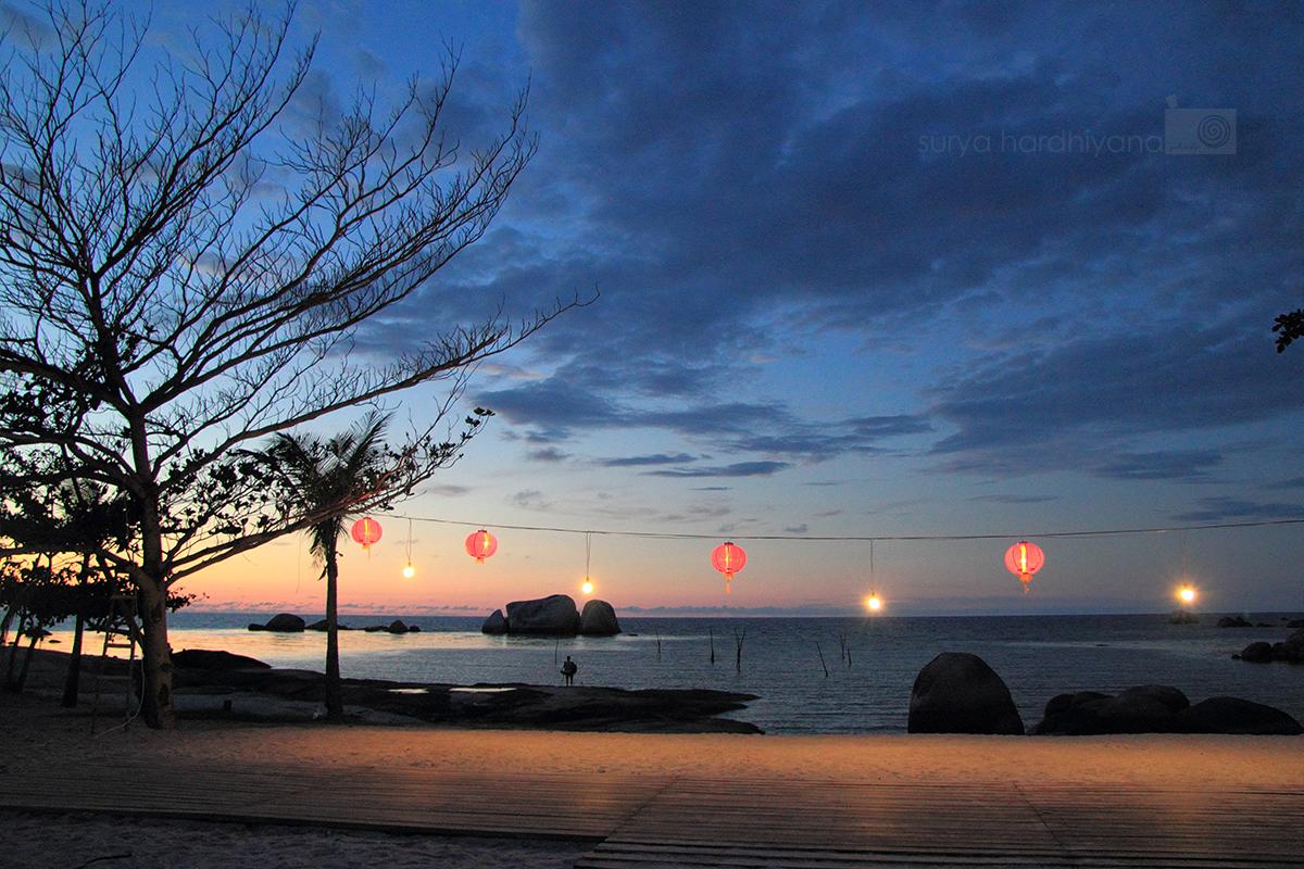 Suasana Senja di Pantai Tanjung Tinggi, Belitung