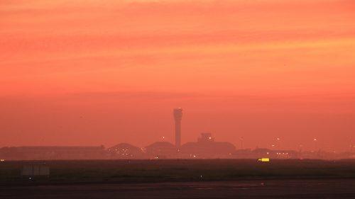 Pagi di Bandara Juanda
